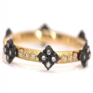 Armenta Old World Ceavelli Crosses Ring