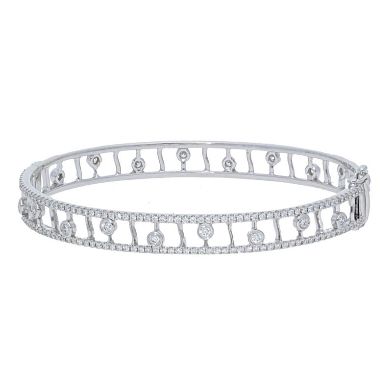 Deutsch Signature Eternity Diamond Bezels w/ Diamond Border