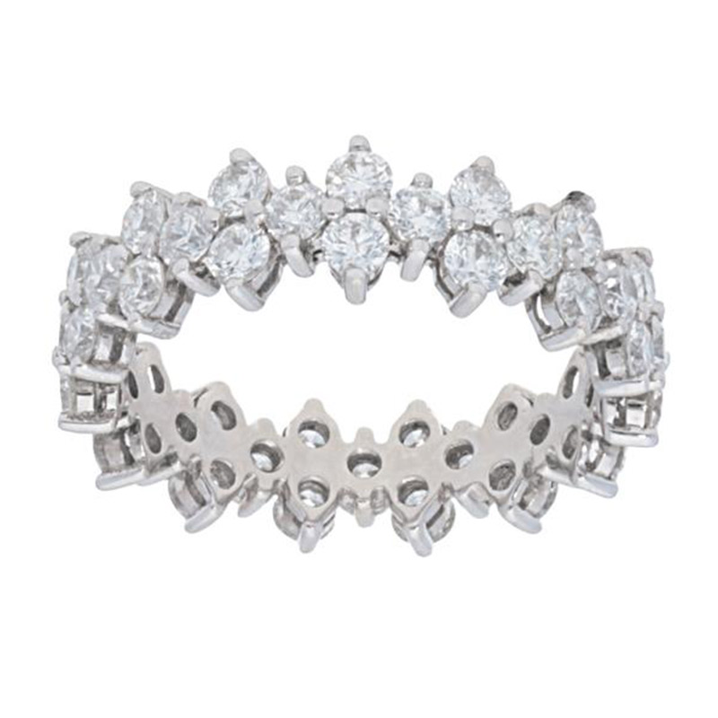 Deutsch Signature Diamond Cluster Shared Prong Eternity Band