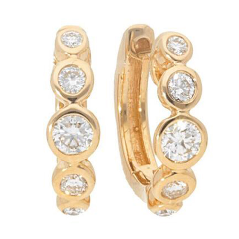 Deutsch Signature Graduated Diamond Bezel Huggie Earrings