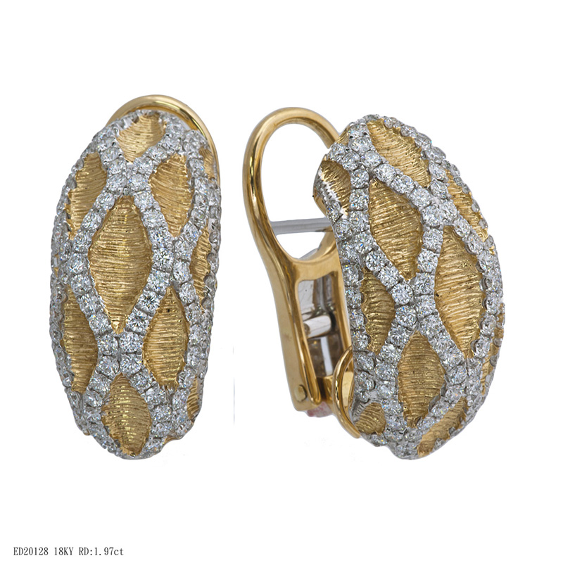 Jye's Diamond Crossover Earrings