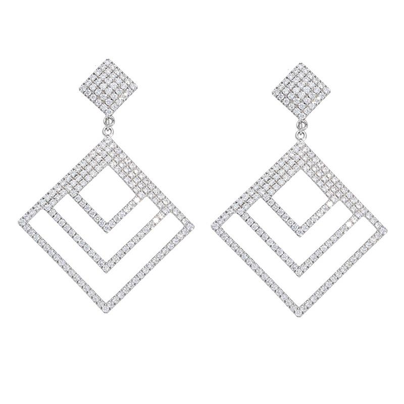 Deutsch Signature Diamond Shape Diamond Dop Stud Earrings