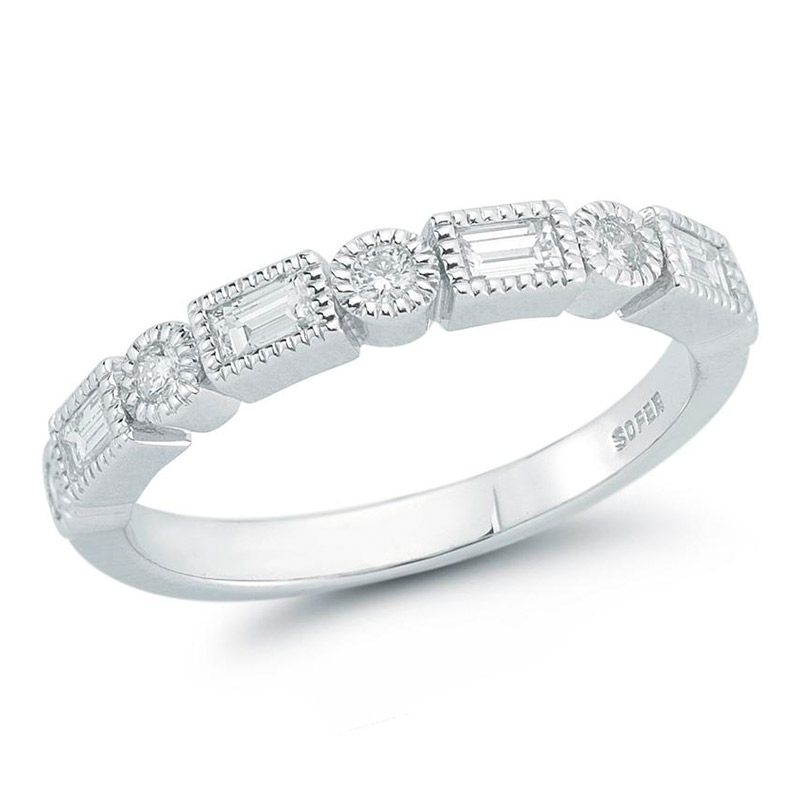 Deutsch Signature Alternating Round and Baguette Diamonds with Milgrain Border Ring