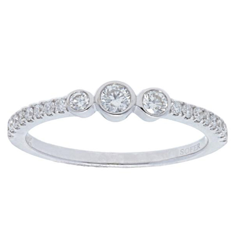 Deutsch Signature 3 Diamond Bezel Pave Ring