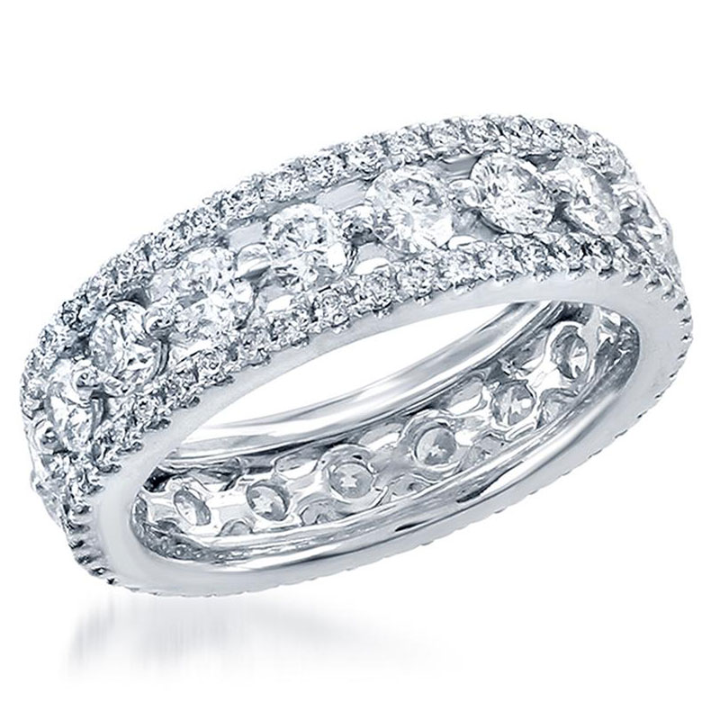 Deutsch Signature Eternity Round Diamonds with Pave Diamond Borders Band