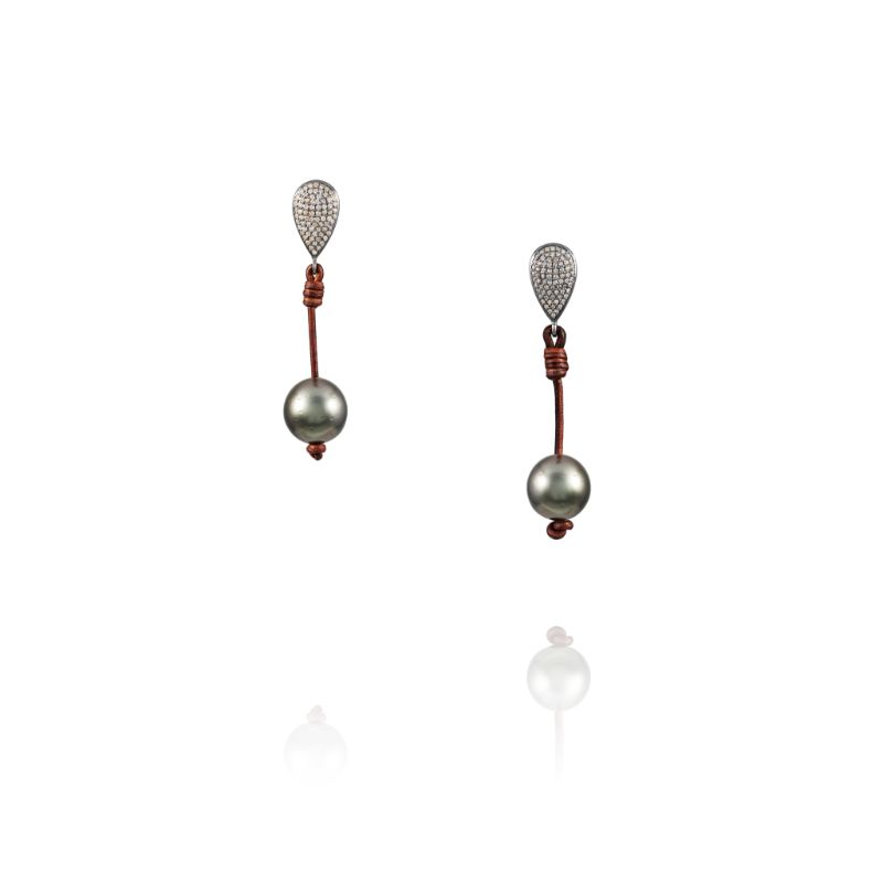 Vincent Peach Demure Teardrop Earrings